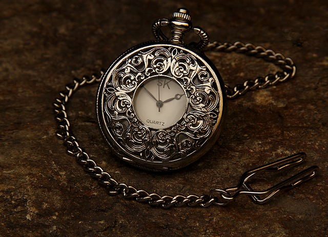 pocket-watch-560937_640.jpg